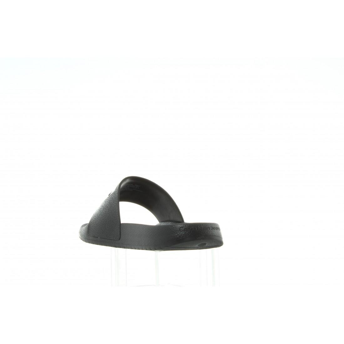 R8837 Black Czarny