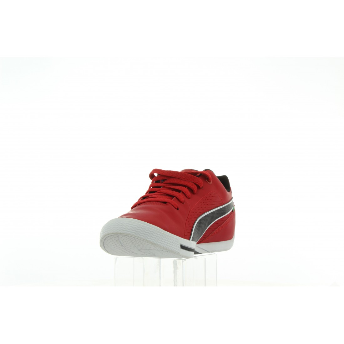 305662 01 Czerwony