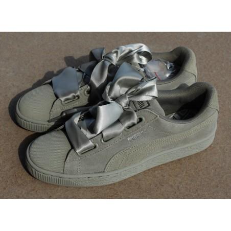 Sneakersy  Puma Suede Heart Pebble 365210 02